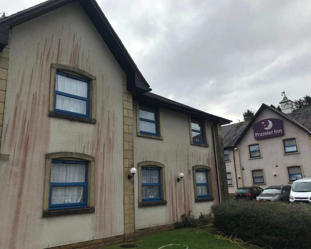 render-cleaning-premier-inn-before